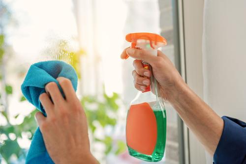 cena mytí oken za m2